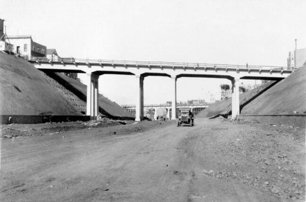 1929 Oct Richland and Highland St bridges over San Jose Ave AAA-9913