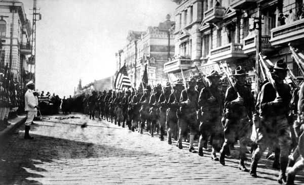 American_troops_in_Vladivostok_1918_HD-SN-99-02013.JPEG